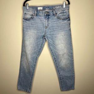 Gap 1969 Sexy Boyfriend Light Wash Blue Jeans 28